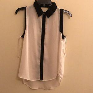 Button down blouse sleeveless